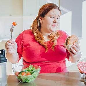 با حذف وعده های غذایی چاق تر می شوید؟